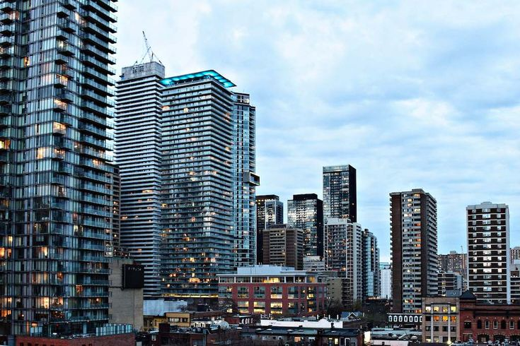 A one-year moratorium on high-rise buildings is proposed by the Councillor for Ward 27.