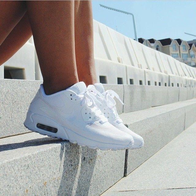 purchase cheap 62b94 564f3 all white air max 90 womens
