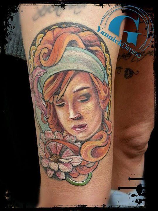 Un tatouage de femme rousse réalisé par Yannick Dimino, tatoueur à Valence.