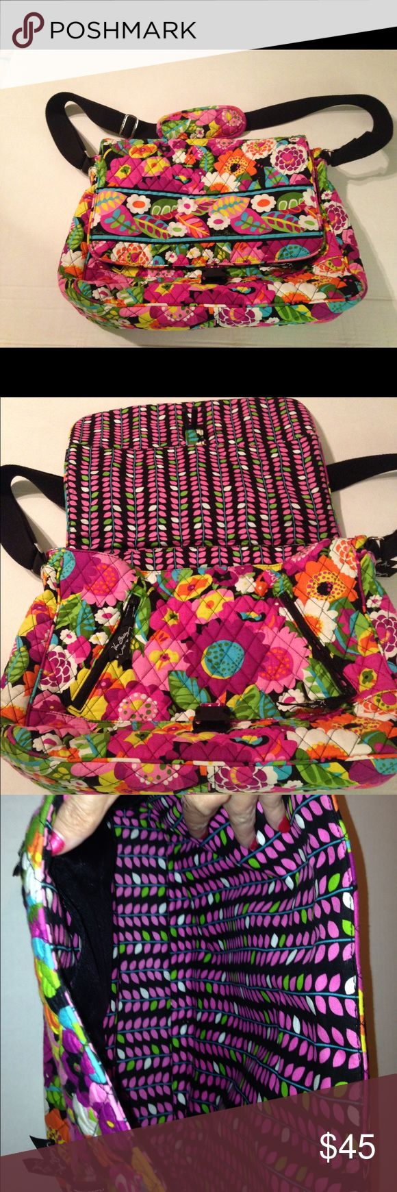 Vera Bradley Laptop bag EUC. No flaws, stains or rips. Open to offers. Vera Bradley Bags Laptop Bags