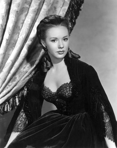 Classic Hollywood Stars.  Vintage Style. Piper Laurie.