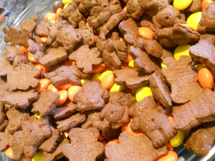 Fun Fall food, Cinnamon teddy Graham's, Reese's pieces, candy corn