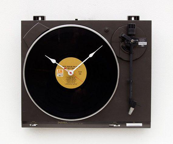 Recycling Technics Turntable Clock von pixelthis auf Etsy, $129.00