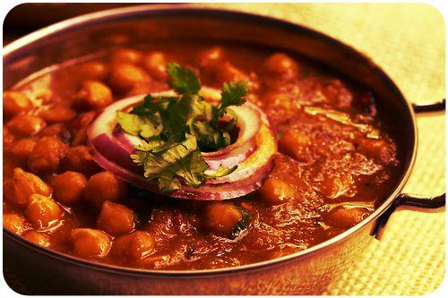 Punjabi Channa Masala!  Roasted chickpeas slow cooked in thick masala gravy with cumin, grounded turmeric garnished with fresh coriander.   #indianfood #punjabifood #channamasala