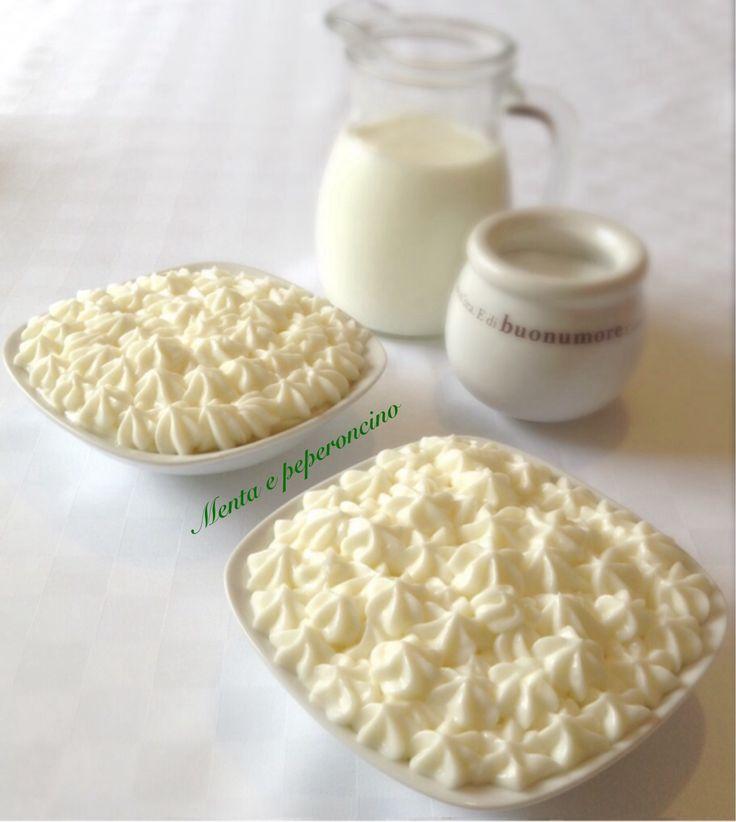 """La """"Crema al latte"""" ha un sapore molto delicato... è adatta per farcire torte di vario genere,bignè,rotoli dolci,pasticcini,crostate e molto altro ancora.."""