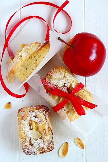 MIEL & RICOTTA: Tortini morbidi di mele e mandorle