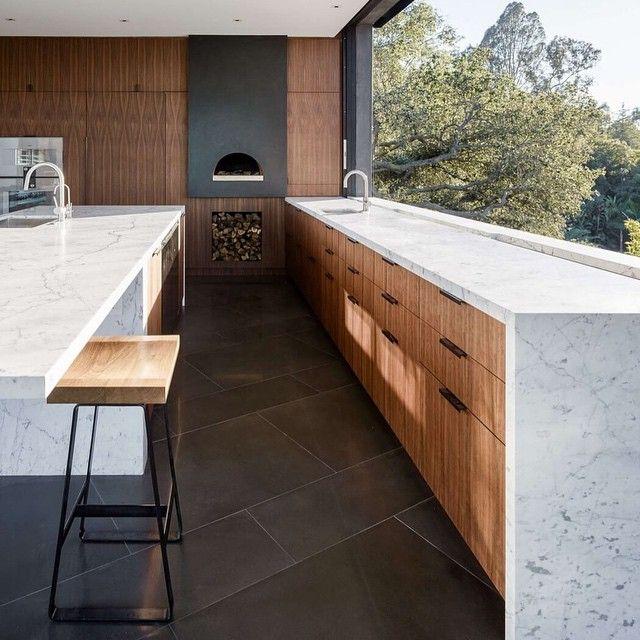 Oak Pass House by Walker Workshop in Los Angeles,