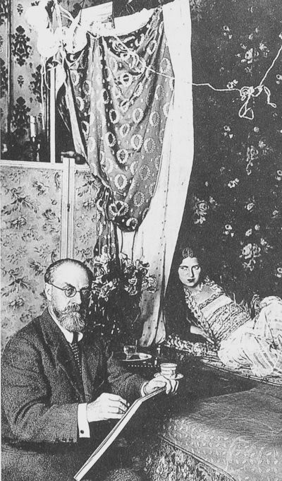 Matisse and model. Love all the prints and patterns!