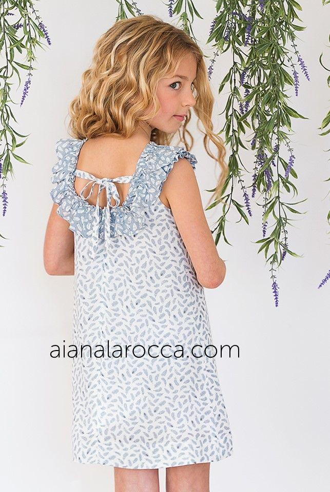 f032b5e5c Precioso Vestido fondo blanco con estampado hojas azul grisáceo y escote en  la espalda de la