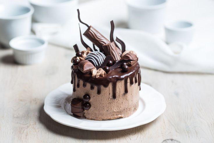 Kinder Bueno cake / Tort Kinder Bueno #kinderbueno #cake #layeredcake #tort #genache #chocolate
