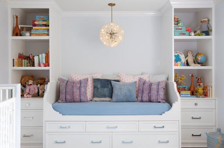 daybed + built-ins