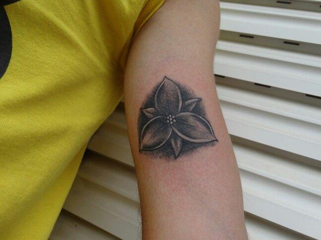 Trillium tattoo by BROLIN KOSTA