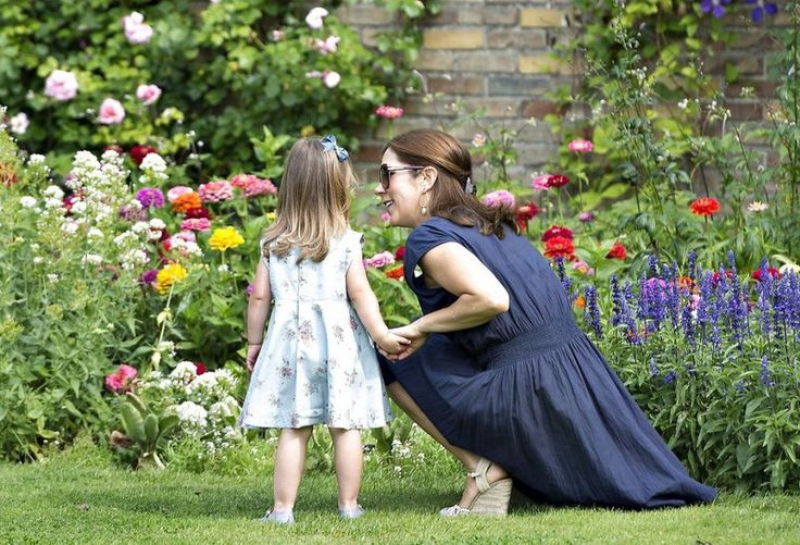 Princess Mary and Princess Josephine smelling the roses - MYROYALS  FASHİON