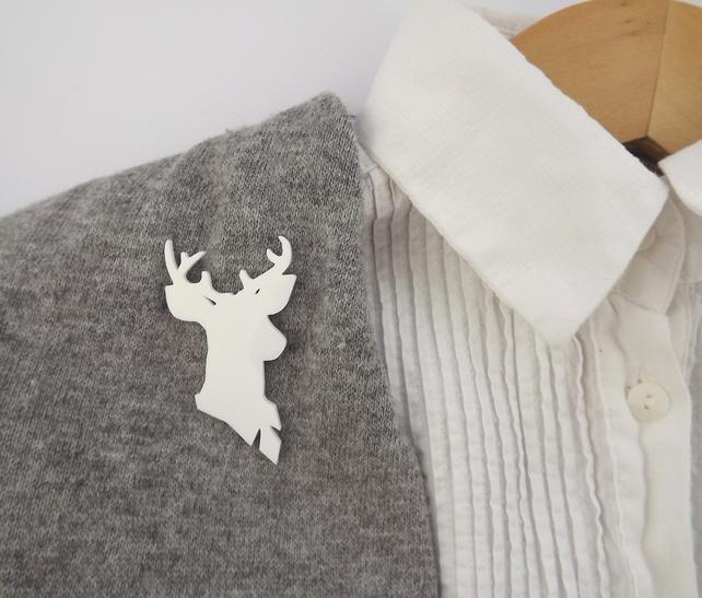White Stag Brooch Cameo - Mr.Stag Hybrid £8.50