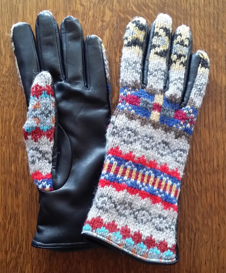 515-35 pattern with black leather palms.