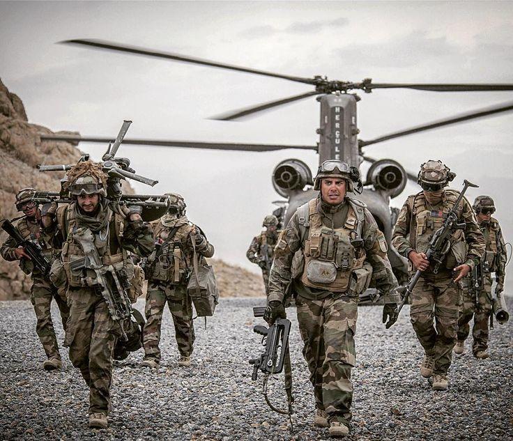 """5,375 Likes, 63 Comments - Armée de Terre (@armee2terre) on Instagram: """"Place aux spécialistes  Combien d'#armes différentes identifiez-vous sur cette image ? Les…"""""""