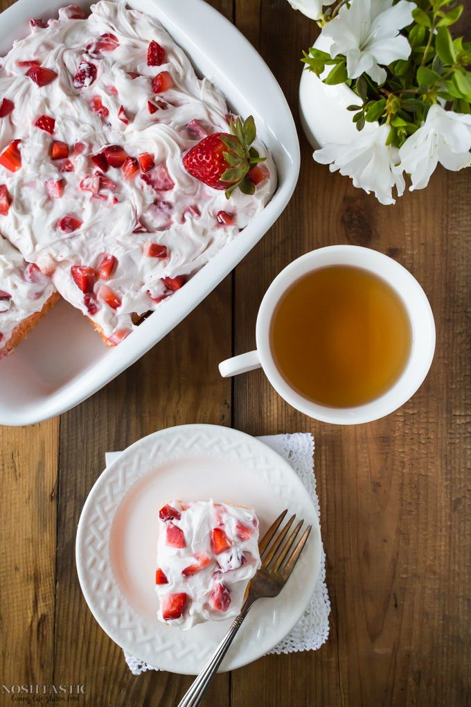 You can whip up this beautiful Gluten Free Strawberry Cake in an instant with a box of gluten free cake mix and ready made frosting, so easy!! | Sponsored by The J.M. Smucker Company #mixupamoment
