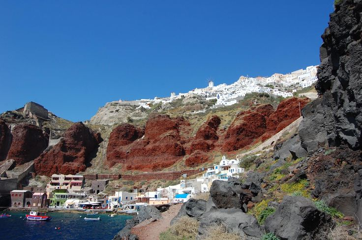 Ammoudi. A magnificent tiny village just below #Oia Going to #Santorini? Get some great discounts in local markets! ➲ Click here: http://j.mp/DiscountsSantorini.