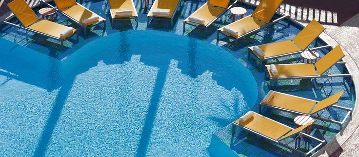 DoubleTree by Hilton Hotel Galveston Beach Hotel, TX - Pool Lounge