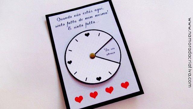 """Para você que sente muita saudade do seu amor, estando ele longe ou perto, esse mimo será muito útil. Porque como já dizia William Shakespeare: """"O tempo é muito lento para os que esperam, muito rápido para os que tem medo, muito longo para os que lamentam, muito curto para os que festejam. Mas, para os que amam, o tempo é eterno.""""  Aideia de hoje é um relógio, ..."""