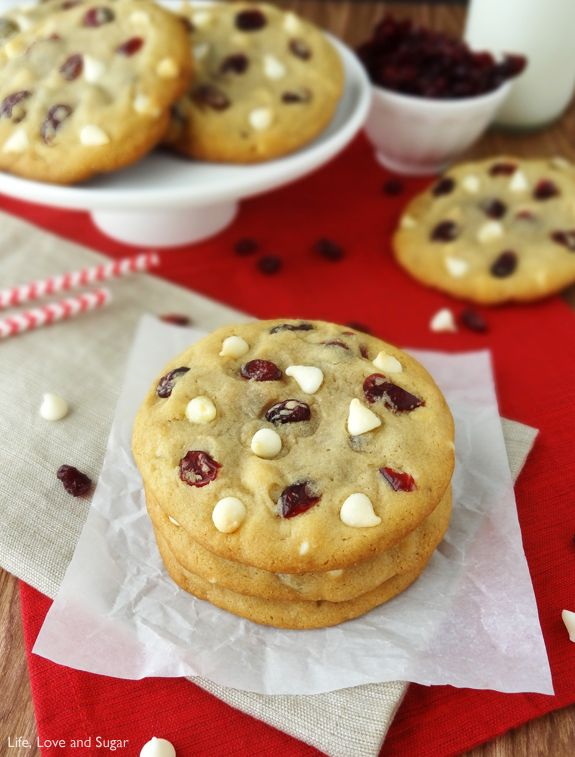 Cranberry White Chocolate Chip Cookies by klifeloveandsugar: Full of cranberries and white chocolate, and soft and chewy. They're also pretty big cookies. #Cookies #Cranberry #White_Chocolate