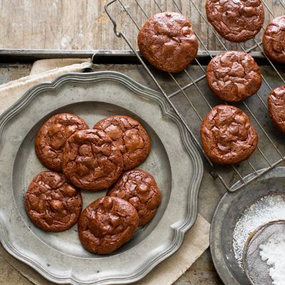"""These chocolate flourless cookies are rich and chewy and ridiculously easy to make, with only a handful of ingredients. The texture is similar to that of meringue cookies or French macarons, yet the centers are chewy and fudgy like brownies. Even better, they are a snap to make and no mixer is required! <br><br>  This """"gluten free"""" recipe was developed using products either labeled as """"gluten-free"""" or likely to be gluten free based on the ingredients typically listed on the products' labels…"""