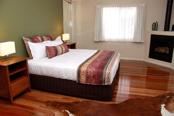 Honeymoon   Yabbaloumba Retreat   Luxury Couples Accommodation   Mary Valley   Sunshine Coast Hinterland