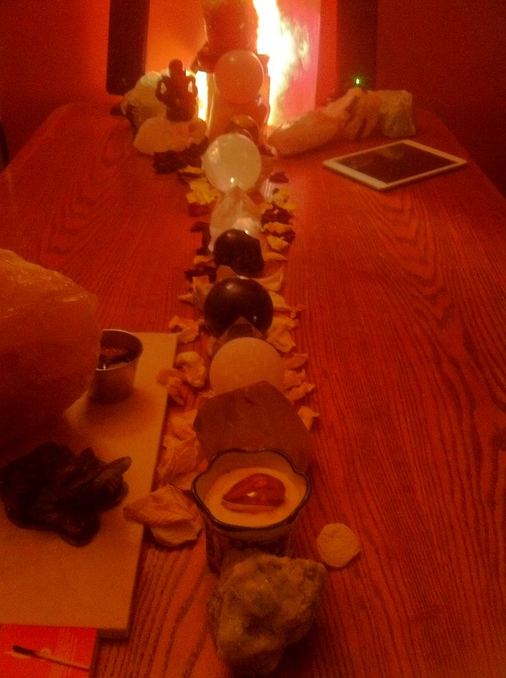 This is the umbrage and radiance of our destiny, usually a crystal grid, here aligned with rose petals. We can take unwanted things out, and put things to manifest in. A beautiful conscious ritual.