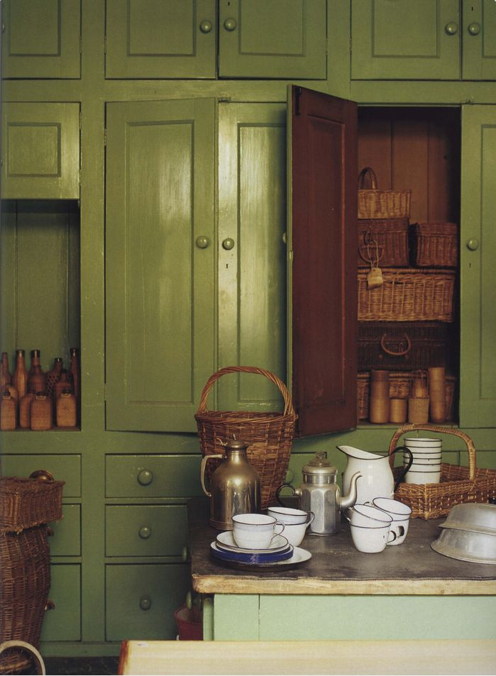The World of Interiors, October 2002. Photo - James Mortimer
