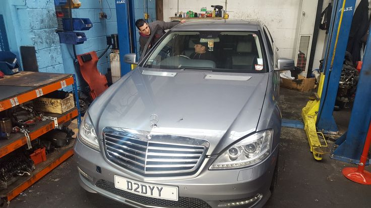 Mercedes S350cdi in workshop for work to commence https://www.enginefitters.co.uk/make/mercedes/engines