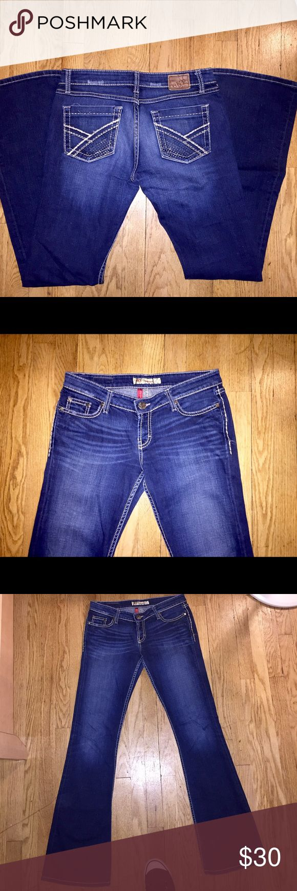 BKE Stretch Boot Cut Jeans BKE Buckle Stretch Sabrina Women's Boot Cut Jeans in size 29 with an inseam of 34. In super excellent condition 😍😍 Buckle Jeans Boot Cut