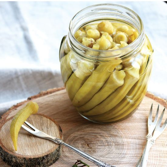 This Dill Pickled Okra Recipe makes it simple to learn how to pickle okra.