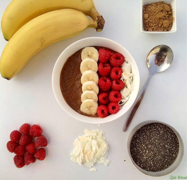 Csokis kókuszos málnás chia puding  (gluténmentes, laktózmentes, tojásmentes, hozzáadott cukormentes, vegán, nyers) / Recept / chia mag, növényi tej, banán, málna, karob por, kókusz chips, lenmag