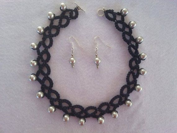https://www.etsy.com/it/listing/253283119/complete-with-earrings-and-collar-for?ref=shop_home_active_1