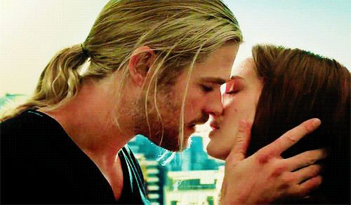 natalie portman chris hemsworth gif