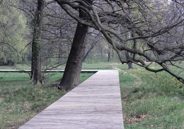 best 25 wooden walkways ideas on pinterest wood pallet walkway pallet walkway and pallet path. Black Bedroom Furniture Sets. Home Design Ideas