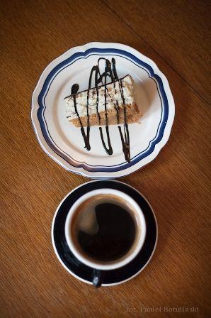"""Pascha i """"Pożegnanie z Afryką"""" czyli klasyczna czarna kawa."""