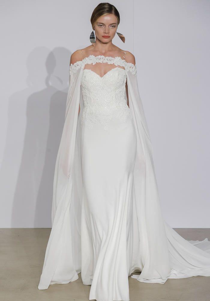 0ffc77eeef9 Robe de mariée 2018 avec cape longue épaule dénudée