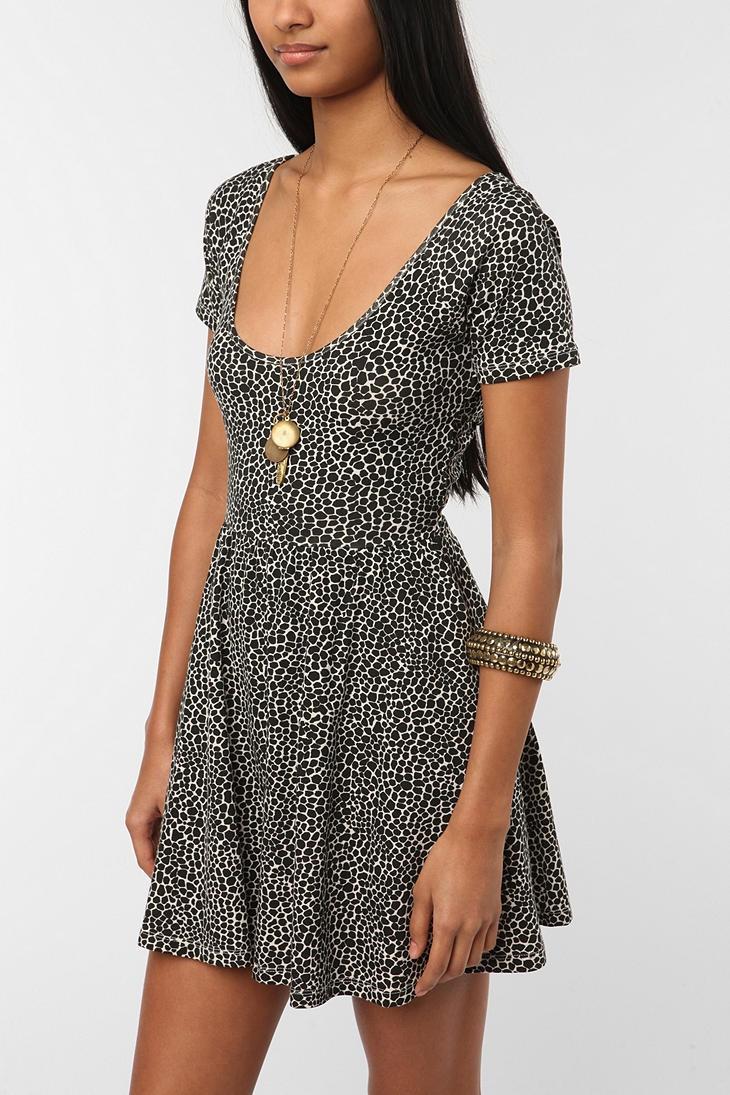 byCORPUS Crisscross Dress