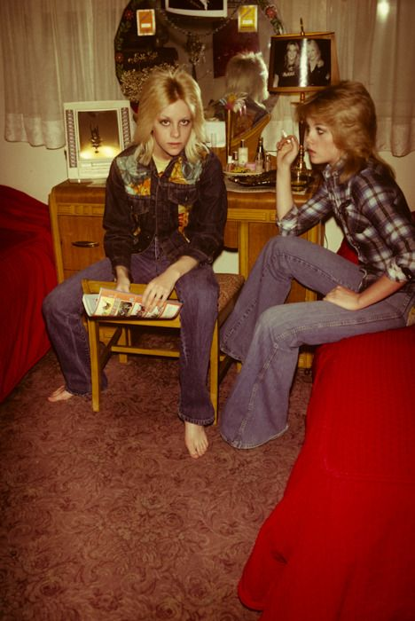 Cherie and Marie Currie, 1977