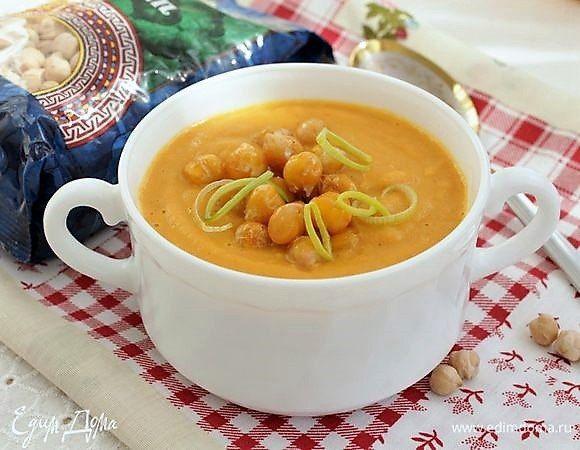 Суп-пюре с чечевицей и нутом. Если у вас заранее отварен нут, то приготовить суп очень просто и легко. Для постного варианта используйте овощной бульон, а для более сытного обеда подойдет мясной. Консистенцию супа регулируйте по своему желанию, добавляя дополнительную жидкость. #готовимдома #едимдома #кулинария #домашняяеда #обед #суп #кремсуп #суппюре #чечевица #нут #вкусноисытно #постныйсуп #длявсейсемьи
