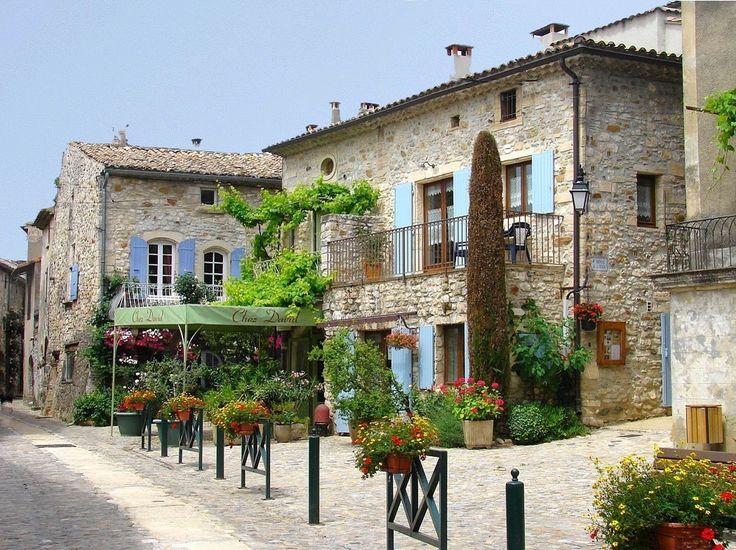 Aiguèze, Languedoc-Roussillon