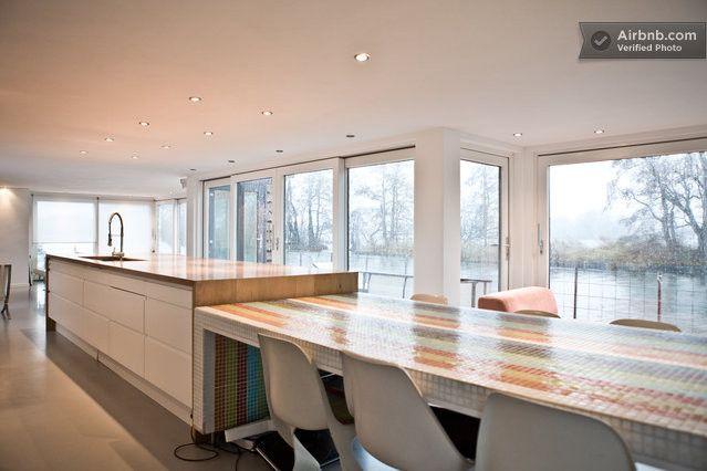 modern house boat /watervilla in Vreeland