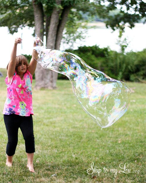 Homemade giant bubble recipe and tutorial www.skiptomylou.org