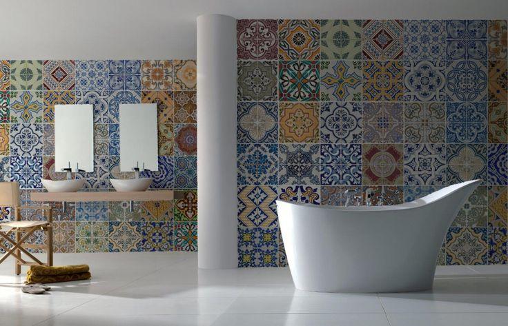 25 beste idee n over badkamer behang alleen op pinterest gastenbadkamer lichte inrichting - Behang in de badkamer ...