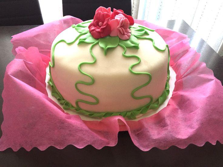 #Fondant flowers #cake