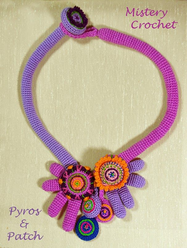 Pyros & Patch: Mistery Crochet di Luisa De Santi