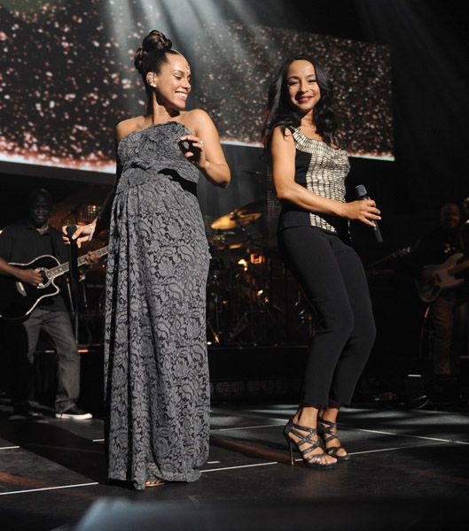 Sade and Alicia Keys... My two favorite singers of all time <3