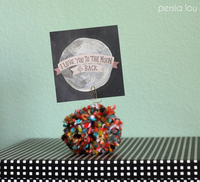 Pom-Pom Picture Holder   This post was originally shared over at…