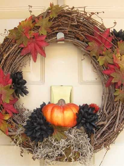 Handmade Door Wreaths Offering Great Craft Ideas and Cheap Fall Decorations
